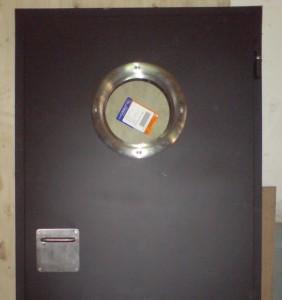 puerta-acustica-con-visor-circular