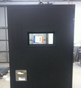 puerta-acustica-con-visor-rectangular